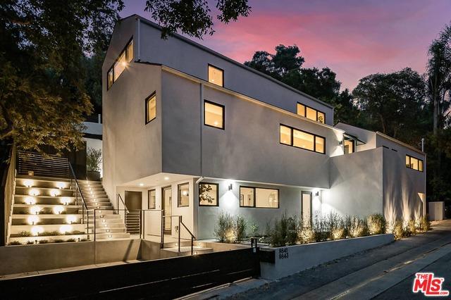 Photo of 9843 YOAKUM DR, BEVERLY HILLS, CA 90210