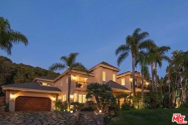 Photo of 16301 SHADOW MOUNTAIN DR, PACIFIC PALISADES, CA 90272