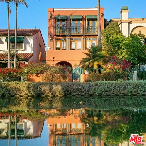 Photo of 2410 GRAND CANAL, VENICE, CA 90291