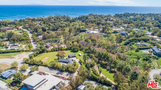 Photo of 6522 WILDLIFE RD, MALIBU, CA 90265