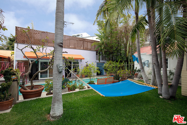 Photo of 805 HAMPTON DR, VENICE, CA 90291