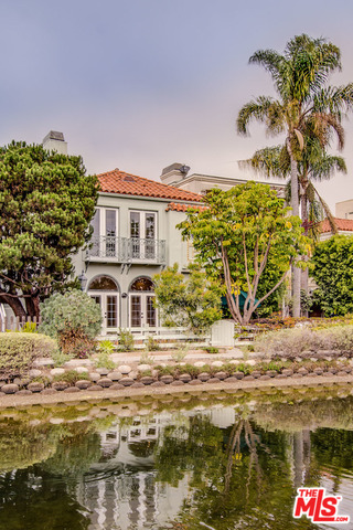 Photo of 409 HOWLAND CANAL, VENICE, CA 90291