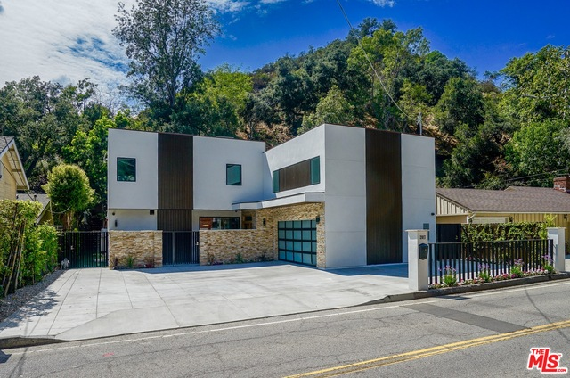 Photo of 2017 BENEDICT CANYON DR, BEVERLY HILLS, CA 90210