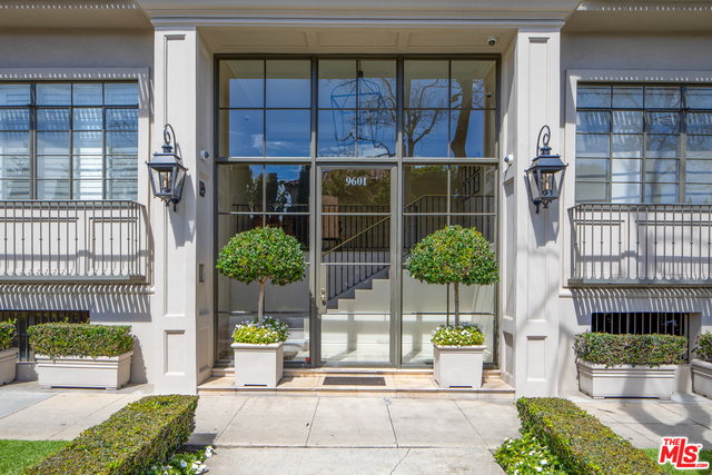Photo of 9601 CHARLEVILLE #18, BEVERLY HILLS, CA 90212