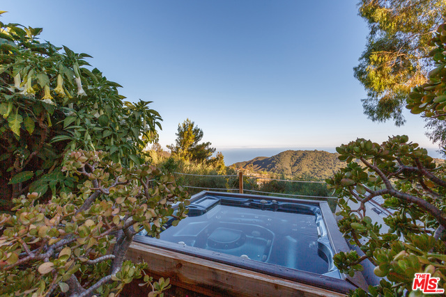2440 MINARD RD, TOPANGA, California 90290, 3 Bedrooms Bedrooms, ,3 BathroomsBathrooms,Residential,For Sale,MINARD,20-582436