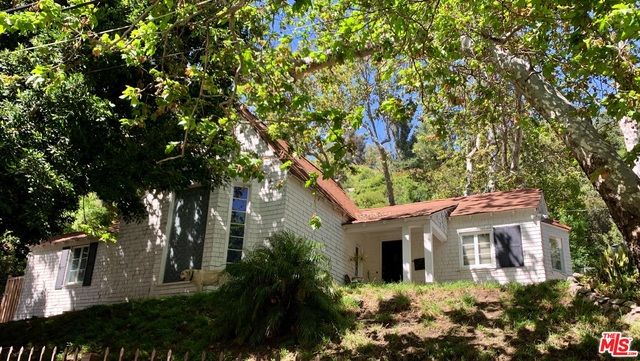 Photo of 1524 BENEDICT CANYON DR, BEVERLY HILLS, CA 90210
