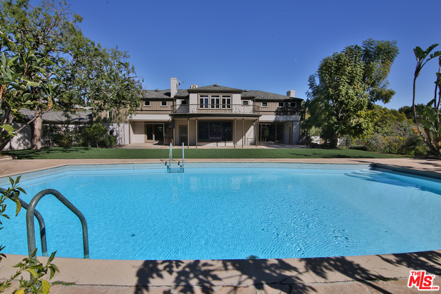 Photo of 901 N WHITTIER DR, BEVERLY HILLS, CA 90210
