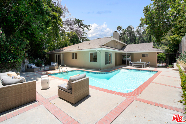 Photo of 1340 BENEDICT CANYON DR, BEVERLY HILLS, CA 90210