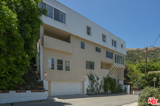 Photo of 9665 HEATHER RD, Beverly Hills, CA 90210