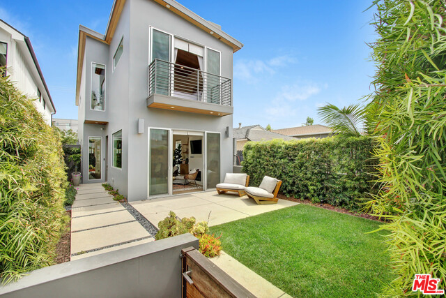 Photo of 11850 TENNESSEE PL, Los Angeles, CA 90064