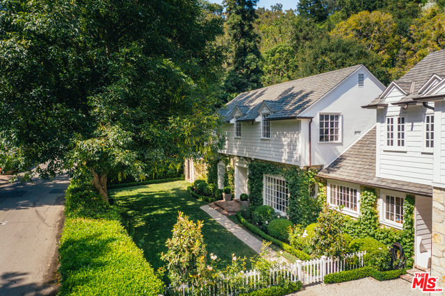 Photo of 900 STONE CANYON RD, Los Angeles, CA 90077