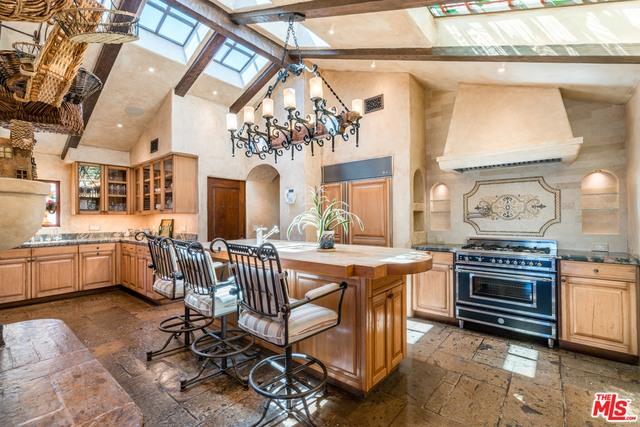 22102 PACIFIC COAST HIGHWAY, MALIBU, California 90265, 4 Bedrooms Bedrooms, ,4 BathroomsBathrooms,Residential,For Sale,PACIFIC COAST HIGHWAY,20-590190