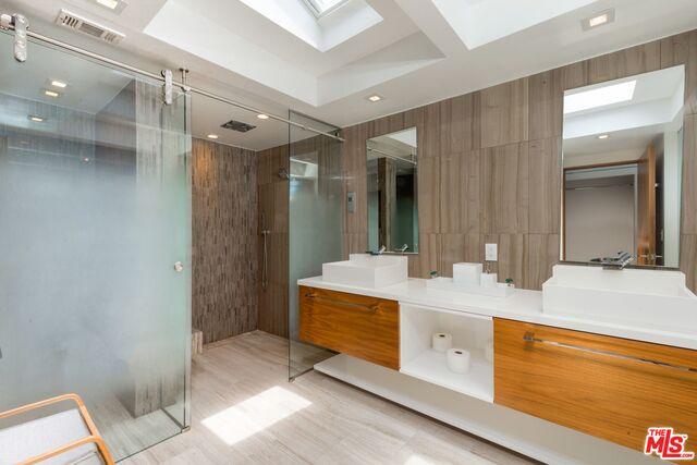 20532 PACIFIC COAST HWY, Malibu, California 90265, 2 Bedrooms Bedrooms, ,3 BathroomsBathrooms,Residential,For Sale,PACIFIC COAST,20-590218