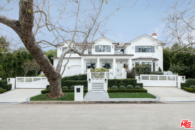 Photo of 957 CORSICA DR, Pacific Palisades, CA 90272