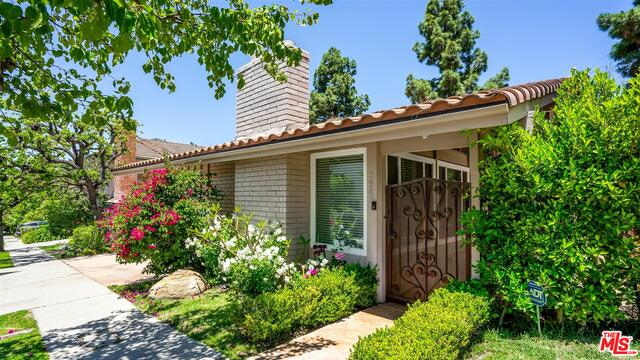 Photo of 2943 WOODWARDIA DR #77, Los Angeles, CA 90077