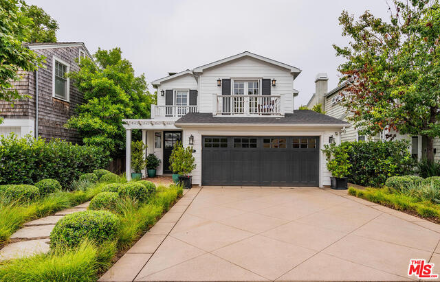 Photo of 827 HARTZELL ST, Pacific Palisades, CA 90272