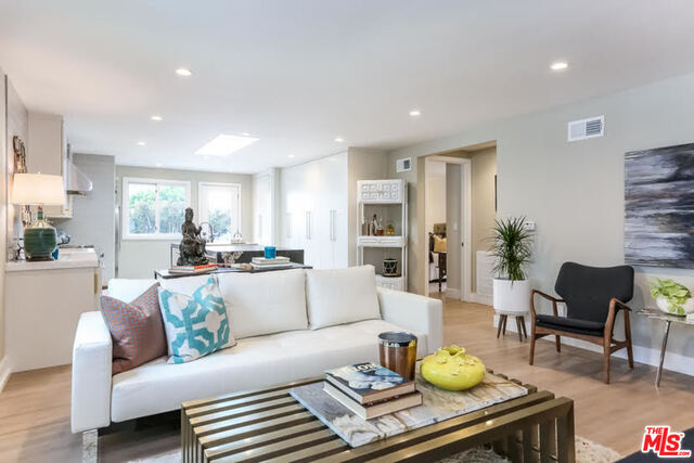 Photo of 9016 DICKS ST, West Hollywood, CA 90069