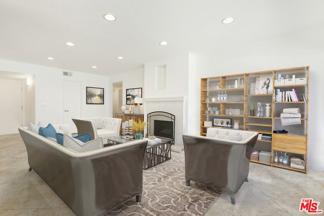 Photo of 1940 N Highland Ave #23, Los Angeles, CA 90068