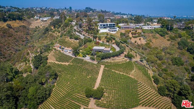 Photo of 937 Linda Flora Dr, Los Angeles, CA 90049