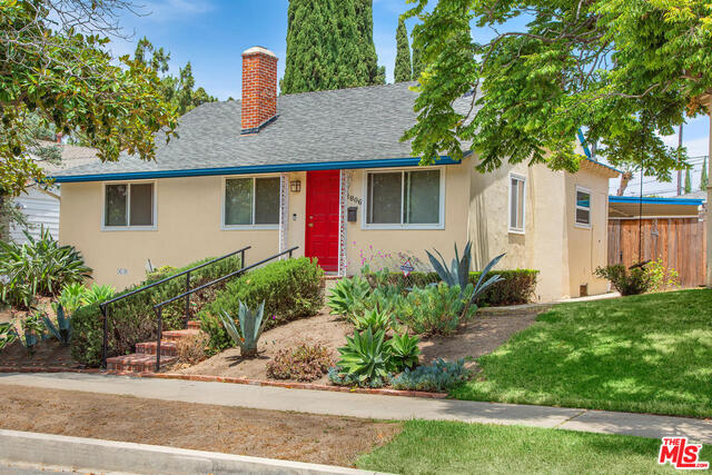 Photo of 2806 Selby Ave, Los Angeles, CA 90064