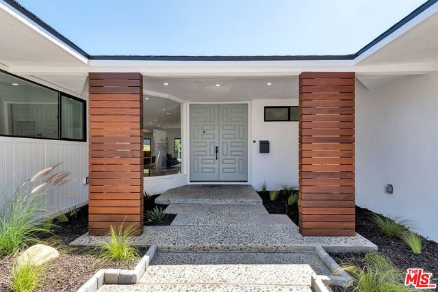 Photo of 6440 S Holt Ave, Los Angeles, CA 90056