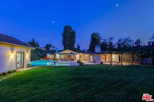 Photo of 16231 Meadowridge Way, Encino, CA 91436
