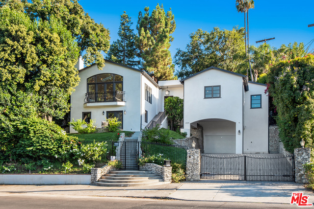 Photo of 13650 VALLEY VISTA, SHERMAN OAKS, CA 91423