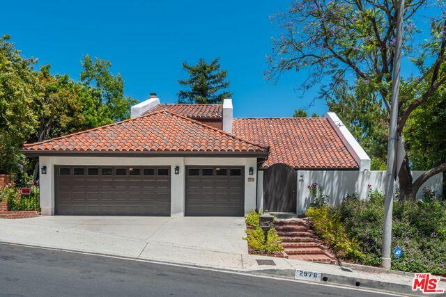 Photo of 2976 Nicada Dr, Los Angeles, CA 90077