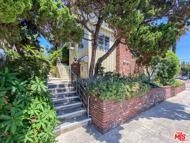 Photo of 4501 Finley Ave #5, Los Angeles, CA 90027