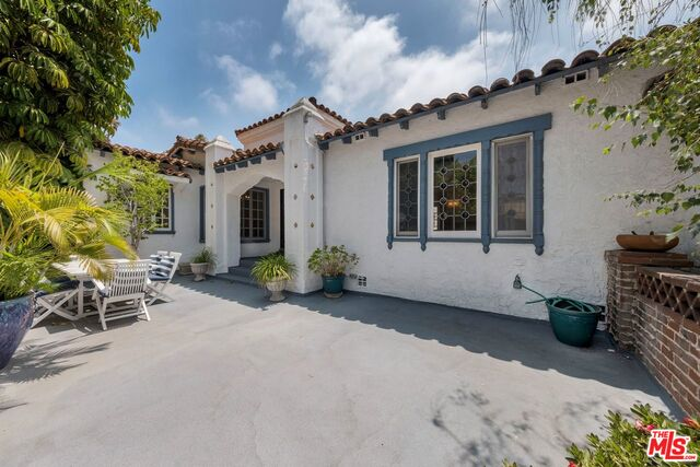 Photo of 200 S Willaman Dr, Beverly Hills, CA 90211