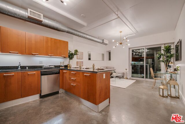 Photo of 645 W 9Th St #222, Los Angeles, CA 90015