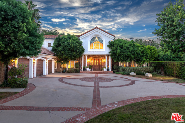Photo of 13809 Weddington St, Sherman Oaks, CA 91401