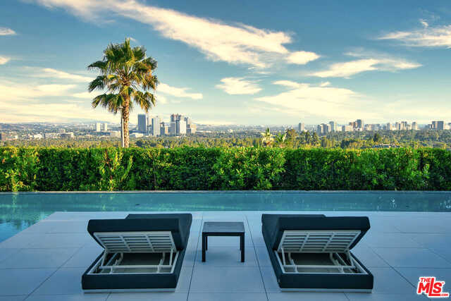 Photo of 1251 Shadow Hill WAY, BEVERLY HILLS, CA 90210