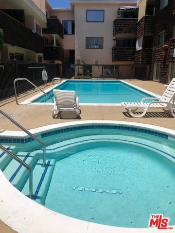 Photo of 5349 Newcastle Ave #16, Encino, CA 91316