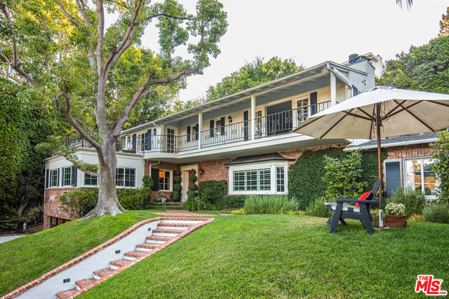 Photo of 1249 N Wetherly Dr, Los Angeles, CA 90069