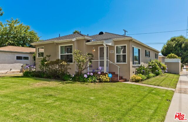 Photo of 3505 Maplewood Ave, Los Angeles, CA 90066