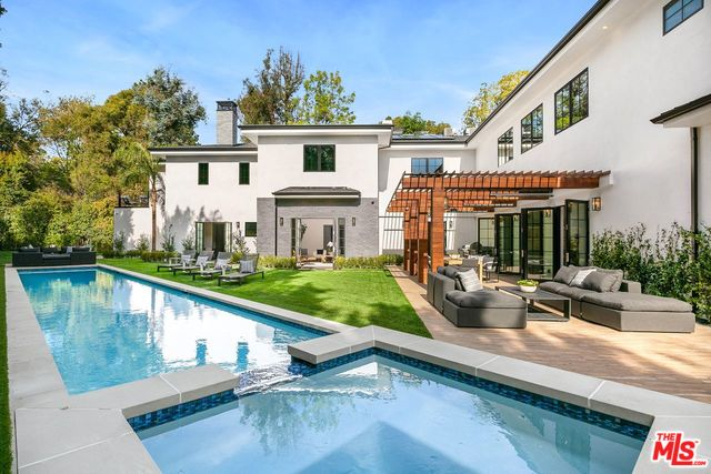 Photo of 11595 Sunset BLVD, LOS ANGELES, CA 90049