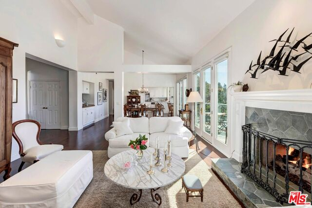 Photo of 2034 Palisades Dr, Pacific Palisades, CA 90272