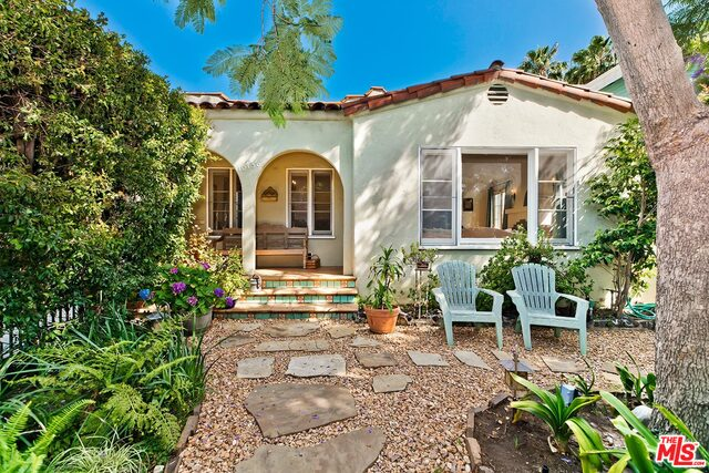 Photo of 10738 Westminster Ave, Los Angeles, CA 90034