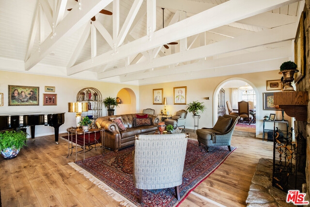 210 Lorine Ln, Malibu, California 90265, 4 Bedrooms Bedrooms, ,4 BathroomsBathrooms,Residential,For Sale,Lorine,20-604634