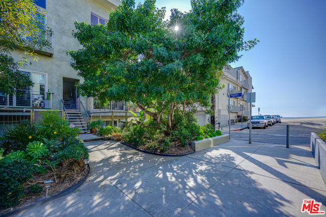 Photo of 20 Ironsides St #17, Marina Del Rey, CA 90292