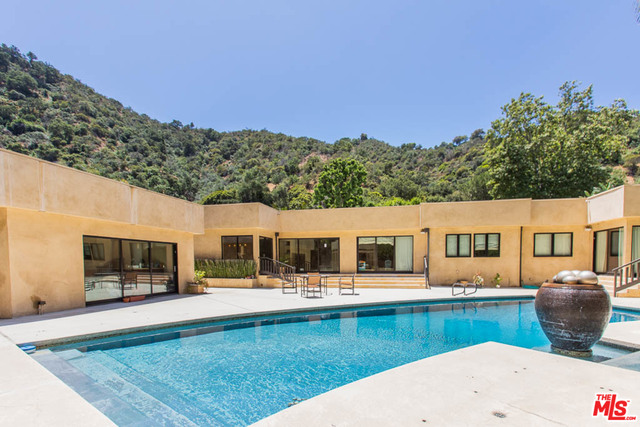Photo of 1634 Benedict Canyon Dr, Beverly Hills, CA 90210