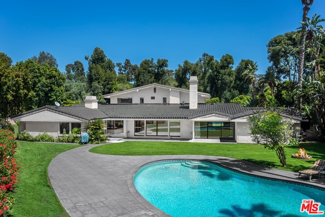 Photo of 1013 N Beverly Dr, Beverly Hills, CA 90210