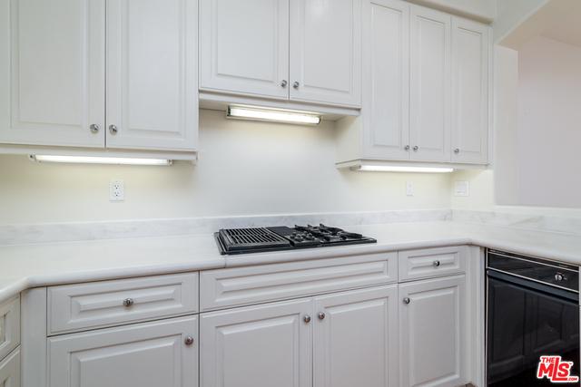 6435 Zumirez Dr, Malibu, California 90265, 2 Bedrooms Bedrooms, ,3 BathroomsBathrooms,Residential,For Sale,Zumirez,20-608280