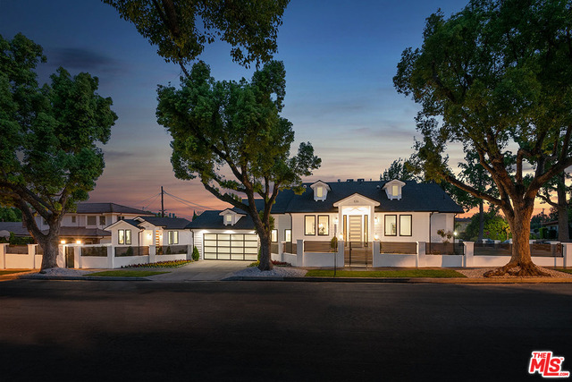 Photo of 536 Jamestown Rd, Burbank, CA 91504