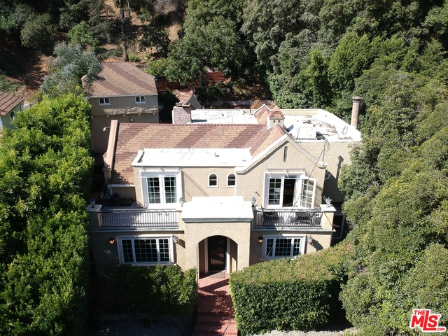 Photo of 1615 Benedict Canyon Dr, Beverly Hills, CA 90210