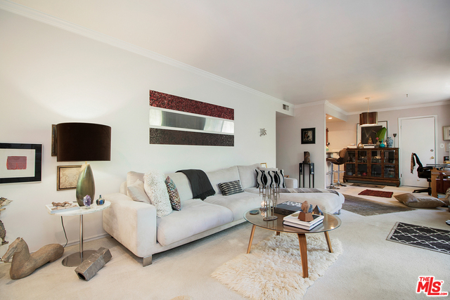 Photo of 6708 Hillpark Dr #303, Los Angeles, CA 90068