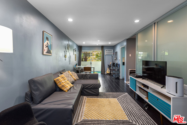 Photo of 960 Larrabee St #228, West Hollywood, CA 90069