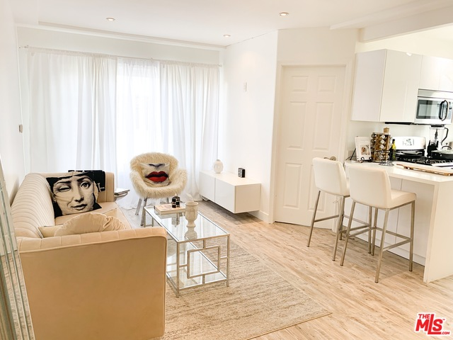 Photo of 1318 N Crescent Heights Blvd #210, West Hollywood, CA 90046