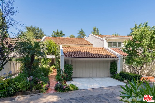 Photo of 2564 Basil Ln, Los Angeles, CA 90077
